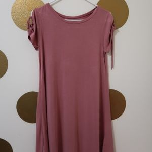 Alya t-shirt dress with tie-sleeves